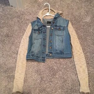 Jean jacket with knit sleeves and hood
